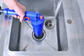 疏通洗手池堵塞的管道之气压式管道疏通器